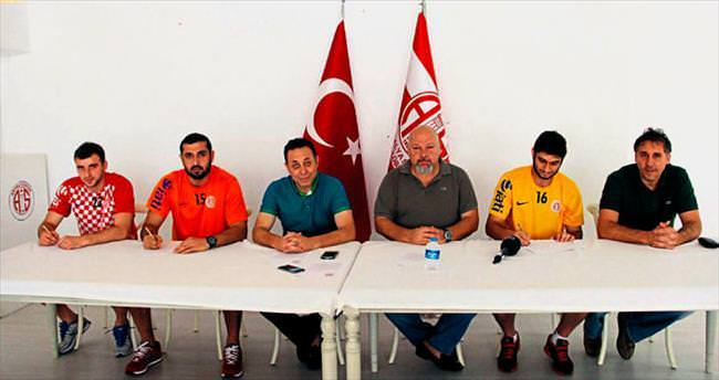 Antalya hentbolde durmak bilmiyor