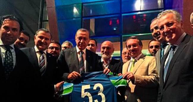 Erdoğan'dan Rizespor'a ziyaret