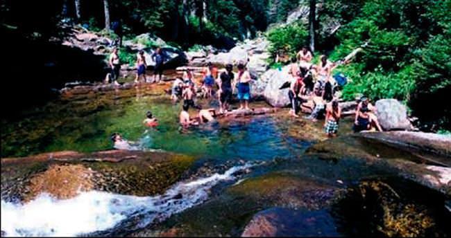 Uludağ'ın 2 bin 500 metresinde doğal havuz keyfi