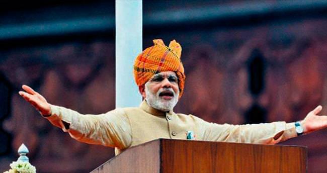 Modi'den elektrik için 1000 gün sözü