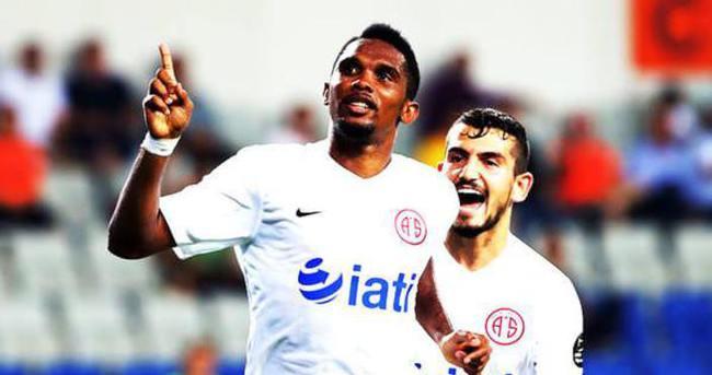 Samuel Eto'o daha ilk maçından Süper Lig'i salladı