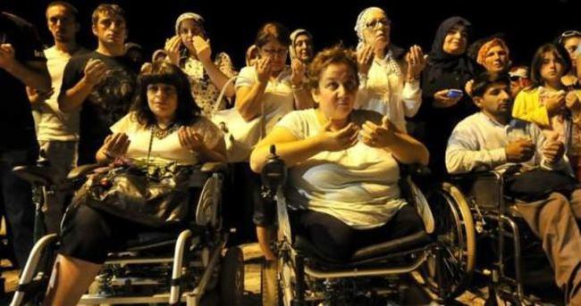 17 Ağustos Depremi'nde hayatını kaybedenler anıldı