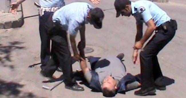 Polisleri görünce bayıldı