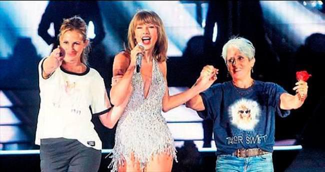 Swift sahneye iki kahramanını çıkardı