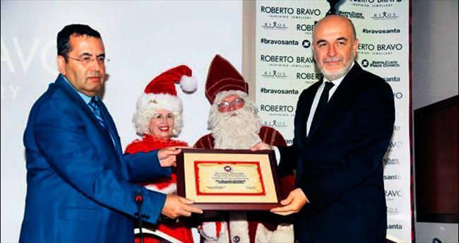 Türk kuyumcudan Noel Baba açılımı