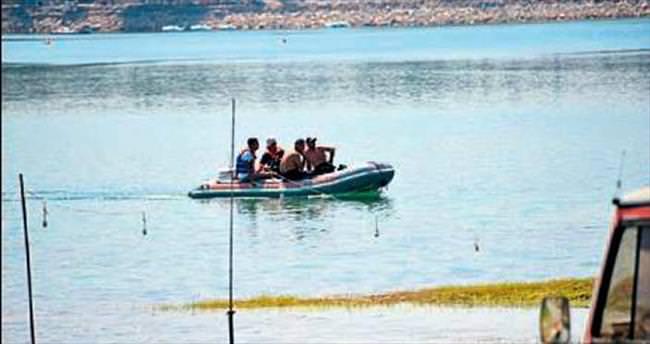 Baraj gölünde kaybolan gencin cesedi bulundu