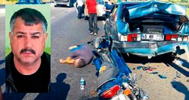 Motosiklet otomobile çarptı, sürücüsü öldü