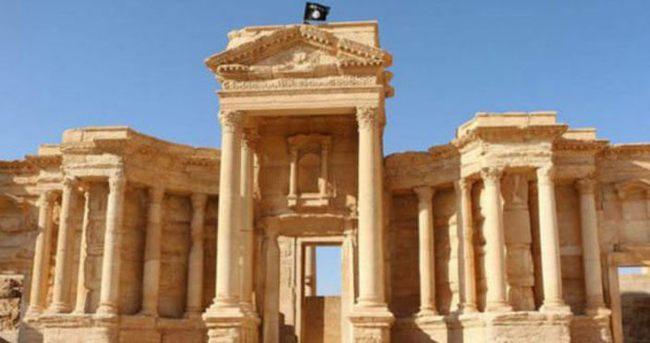 'IŞİD Palmira antik kentinden sorumlu arkeoloğu öldürdü'