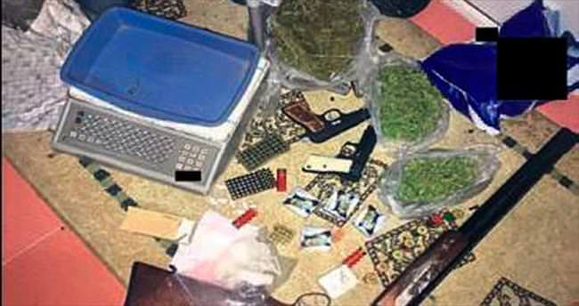 İzmir'de uyuşturucu tacirlerine darbe
