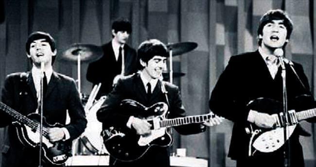 Beatles'ın ilk albüm kontratı satılıyor