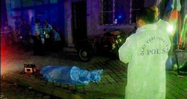 Balkondan düşen yaşlı adam öldü