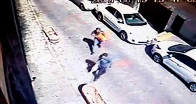 Saldırganlar güvenlik kamerasına yakalandı