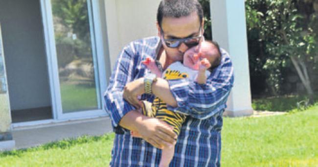 Okan Karacan'ın oğlu sünnet oldu