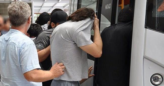 Kilis'te DAEŞ'e katılmak isteyen 16 kişi yakalandı