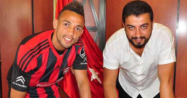 Gaziantepspor Oliveira ile anlaştı