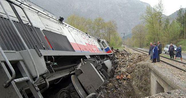 Bingöl'de korucuları taşıyan trene bombalı saldırı