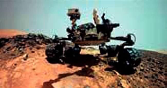 NASA, Curiosity'nin selfie'sini yayımladı