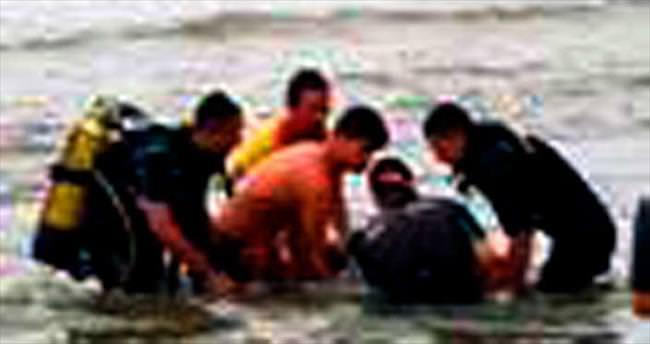 Denize giren dört kişi boğuldu