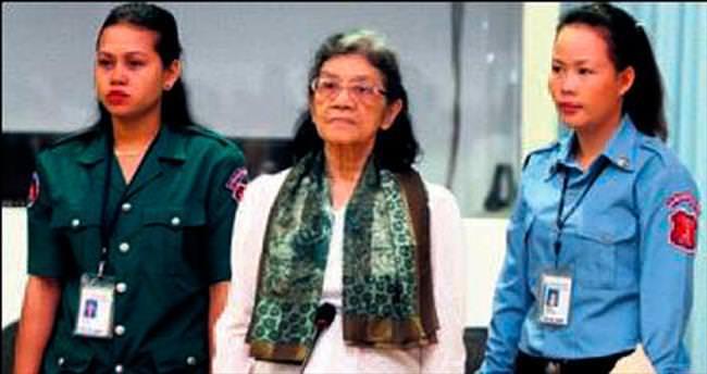 Kızıl Kmerler'in First Lady'si öldü