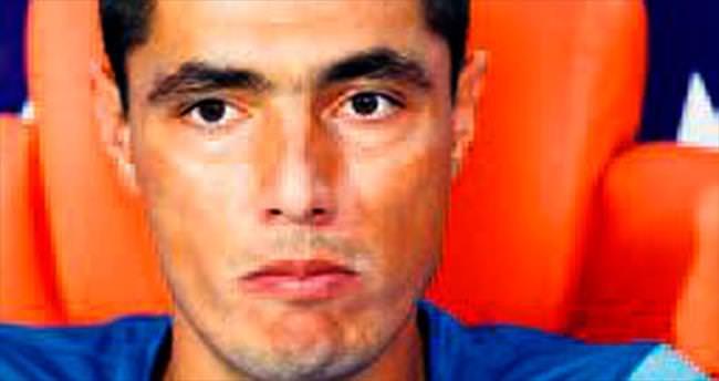 Oscar Cardozo kulübeye çekildi
