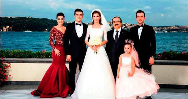 Siyaset dünyası düğünde buluştu