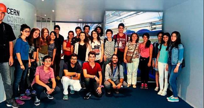 Piri Reis Anadolu Lisesi öğrencileri CERN'de