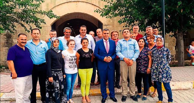 Algan'dan Payas'ta erken seçim sohbeti