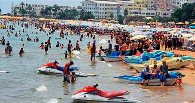 Okullar ertelendi turizmci bayram etti