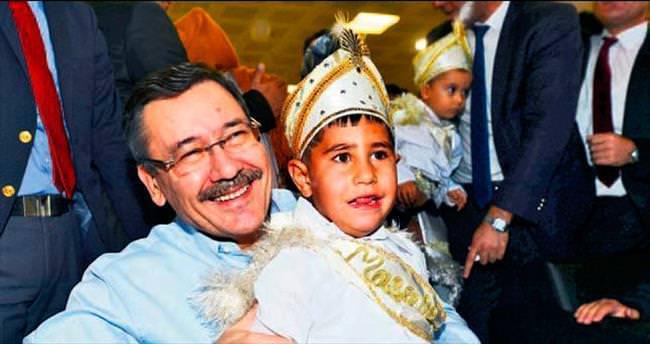 Büyükşehir'den 2015 çocuğa sünnet