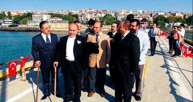 Temsili Atatürk'ten küfür skandalı