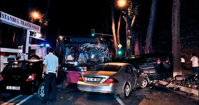 Dolmabahçe'de kaza: 2 ölü, 7 yaralı