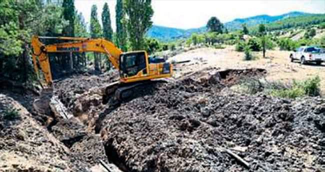 Dedebağ'ın 40 yıllık su hattı değiştirildi