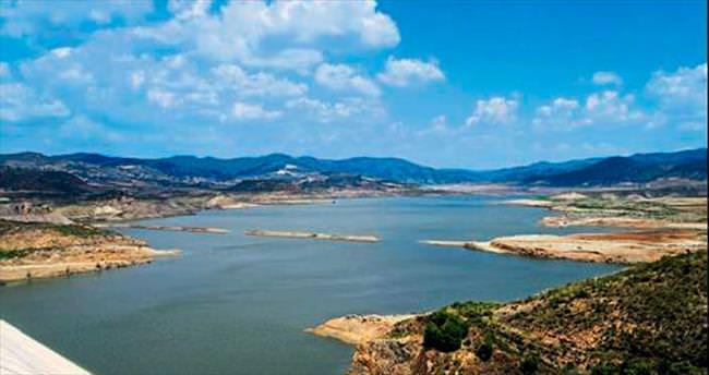 Su sızdıran baraja betonlu müdahale
