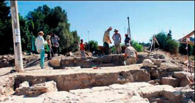 Didim'de yeni bir tapınak bulundu