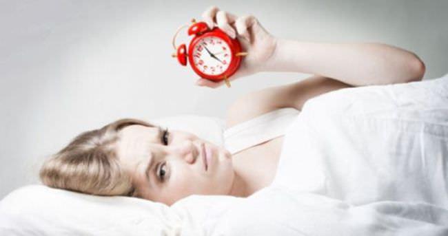 Uykusuz bir gecenin vücudumuza yansıması