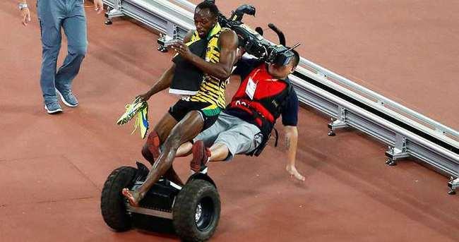 Kameraman, Usain Bolt'u ezdi geçti!