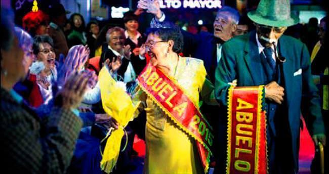 Bolivya'da bu yılın en güzel yaşlı çifti