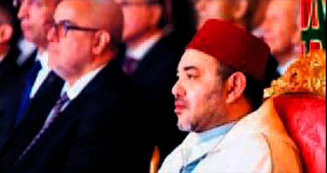 Kral'a şantaj yapan gazetecilere gözaltı