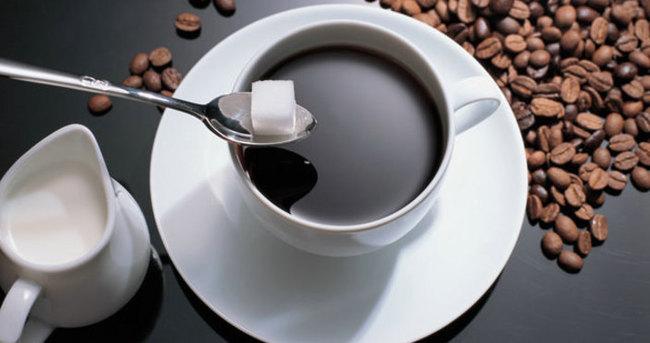 Fazla tüketilen kahve ve şeker erken yaşlandırıyor!