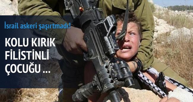 İsrail askerinden Filistinli çocuğa işkence