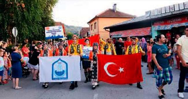 Erguvan Halk Dansları ekibi Bosna'yı salladı