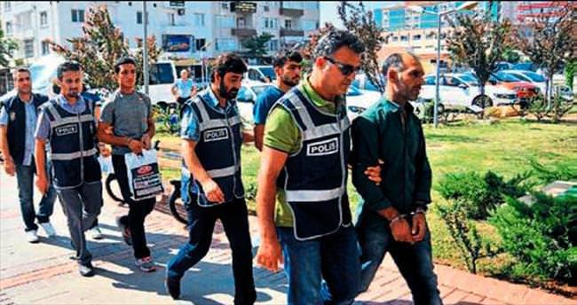 Maskeli molotofçular polisten kaçamadı