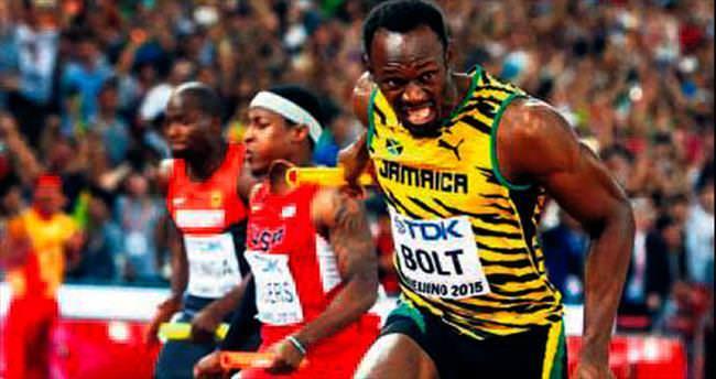 Usain Bolt Pekin'de madalyaları üçledi!