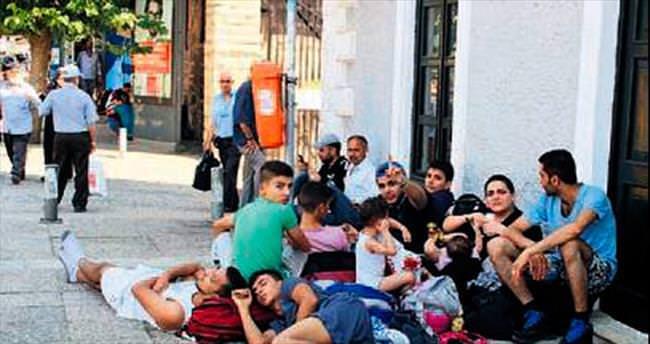 İzmir'de 67 göçmen yakalandı