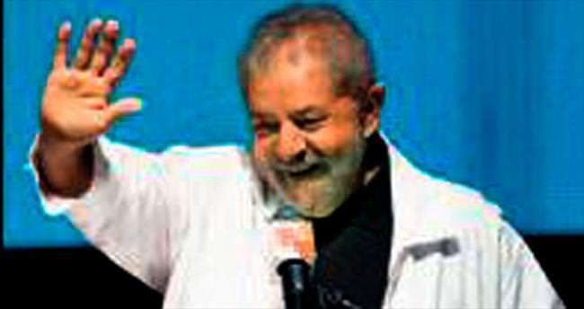 Lula kanatlarını tekrar açtı