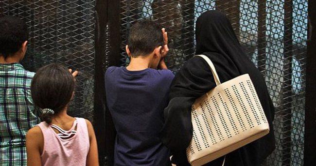 Mısır'da İhvan mensuplarına yine ceza yağdı
