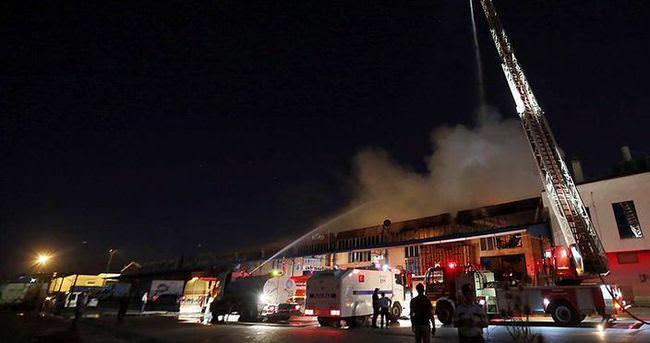 Toptancılar sitesinde yangın