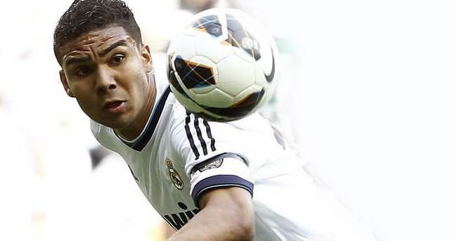 Real Madrid Casemiro'nun sözleşmesini uzattı