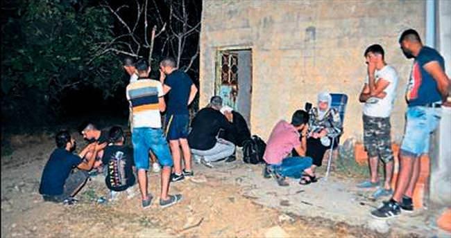 Manisa'da 13 Suriyeliyi kandırıp ahıra kapattılar