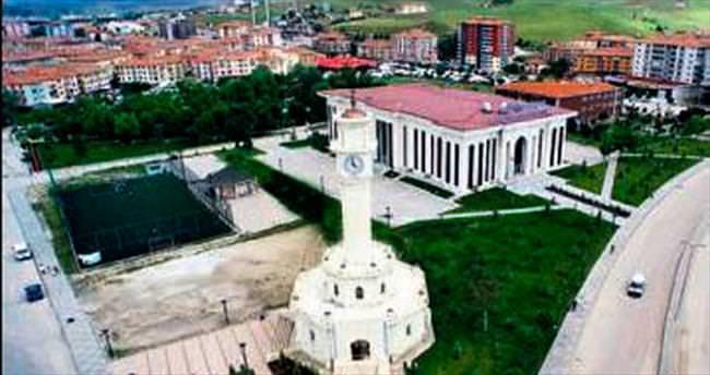 Saray'ın çehresi Çetin'le değişti